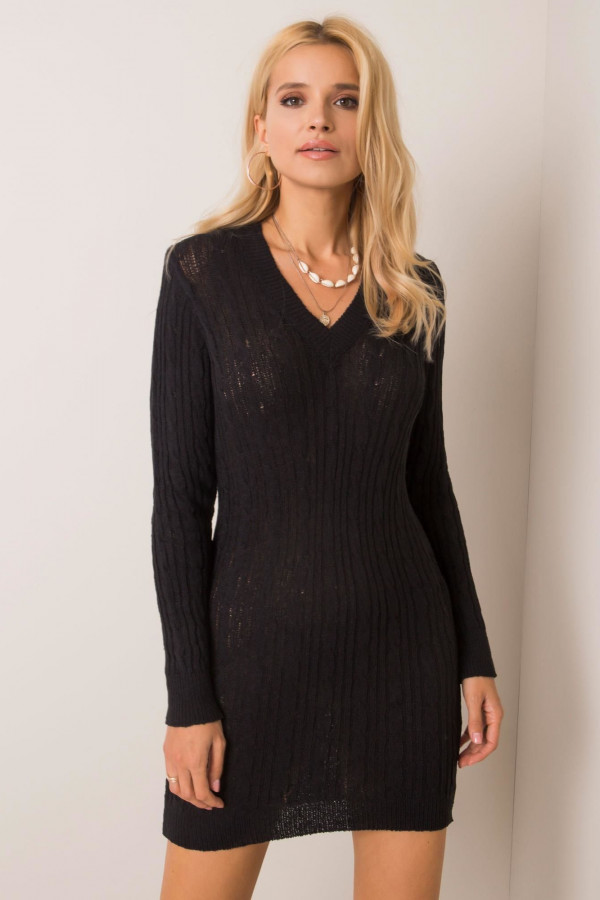 Czarna dopasowana sukienka dzianinowa Novara