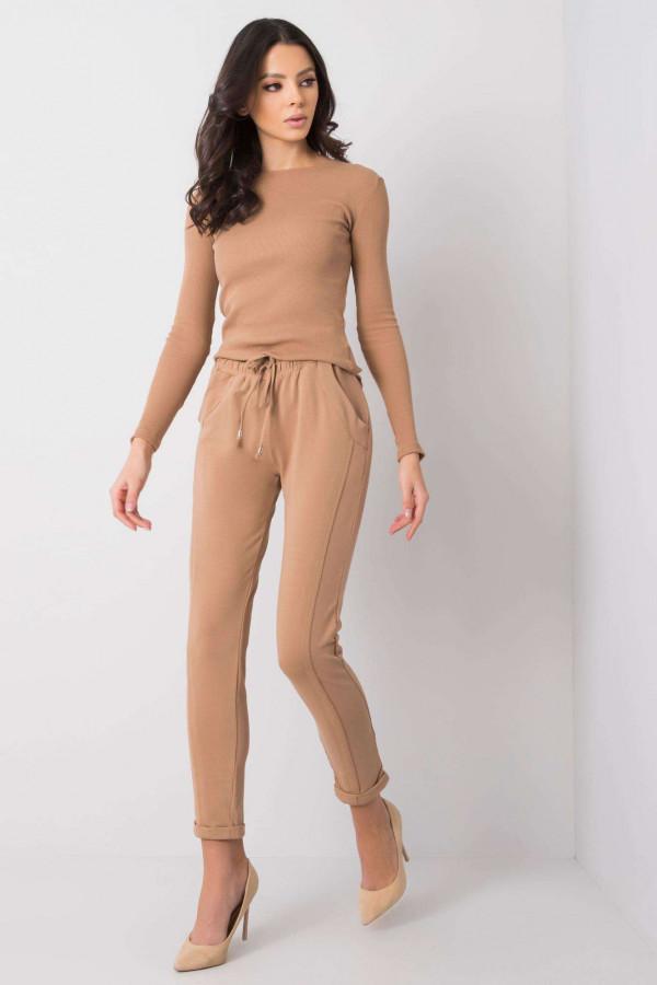 Karmelowe spodnie dresowe z kieszeniami Viole