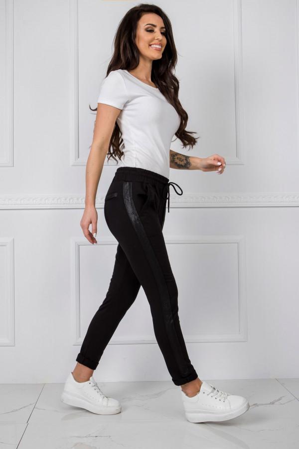Czarne dresowe spodnie z lampasami Nikki