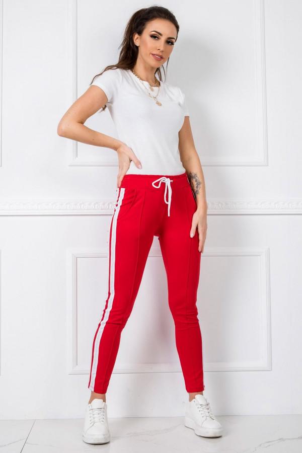 Czerwone spodnie dresowe z lampasami Iris