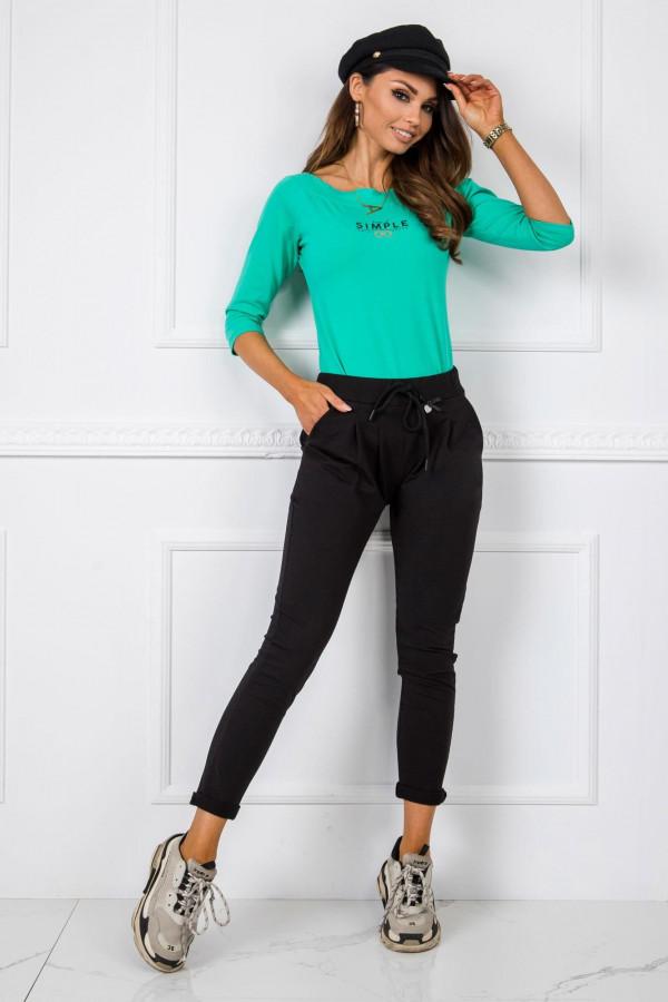 Czarne dresowe spodnie z kieszeniami Davo