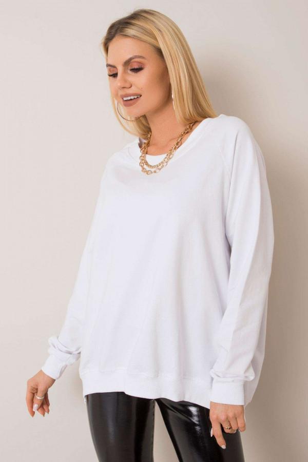 Biała bluza z wycięciem V na plecach Serafia