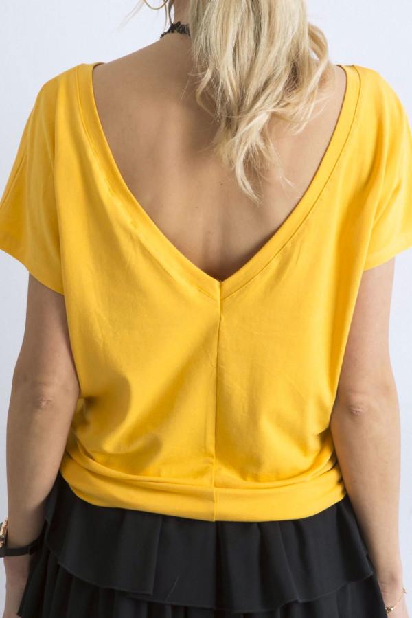 Ciemnożółty t-shirt z wycięciem V na plecach Sharon