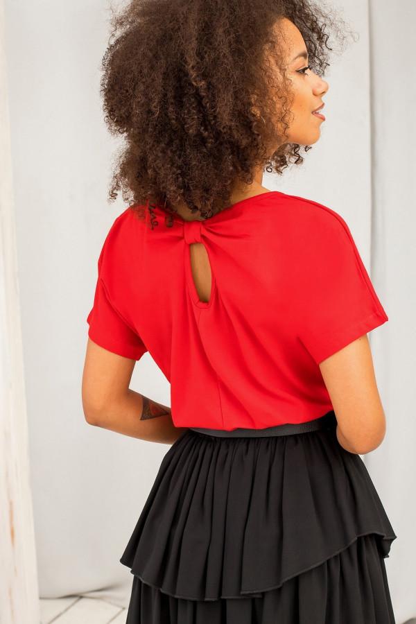 Czerwony t-shirt z wycięciem na plecach Sofie