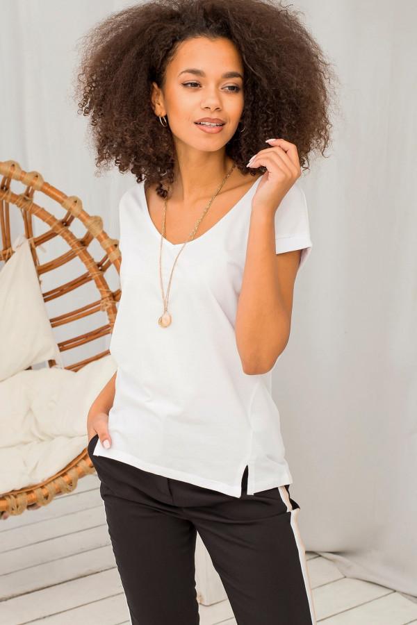Biały t-shirt z dekoltem w serek Secret