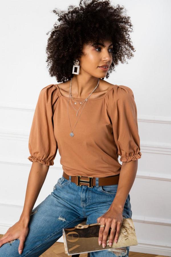 Karmelowa bluzka z bufiastymi rękawami Gavlyn