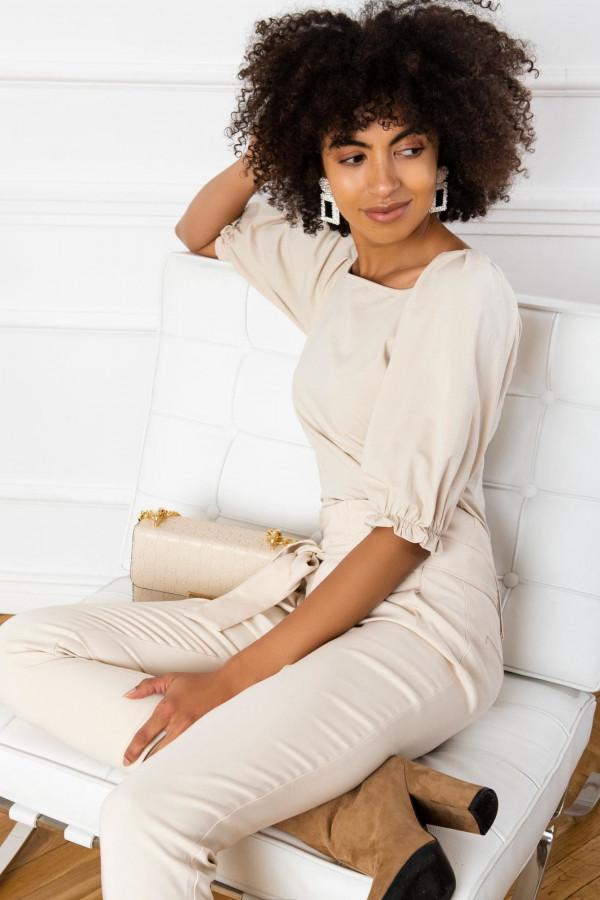 Beżowa bluzka z bufiastymi rękawami Gavlyn