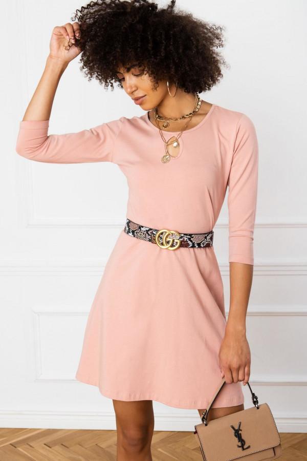 Różowa sukienka rozkloszowana z ozdobnym dekoltem Phoenix