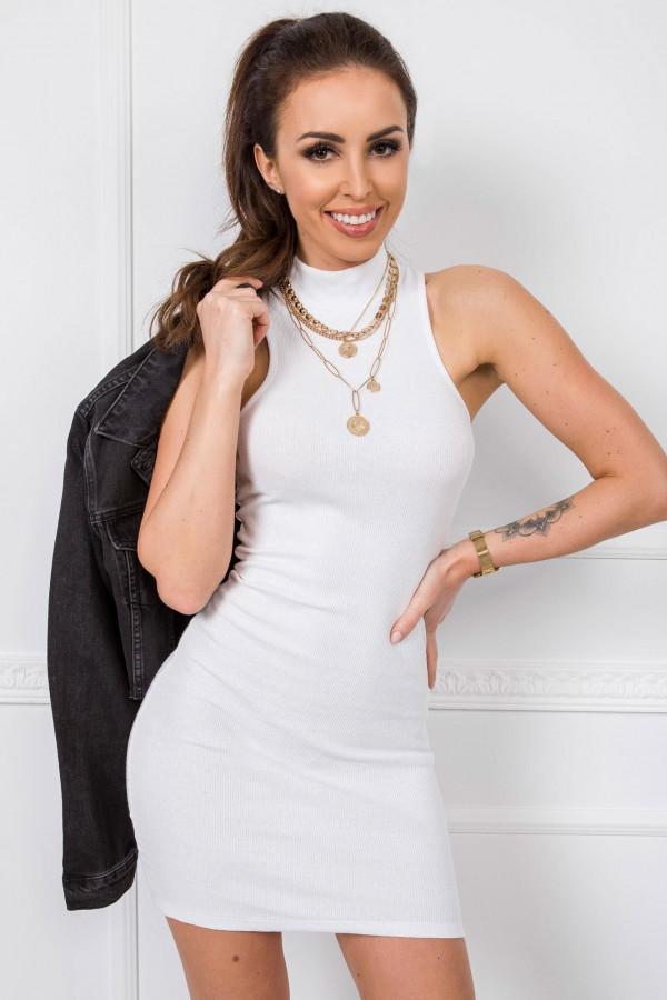 Biała dopasowana sukienka bez rękawów z golfem Soria