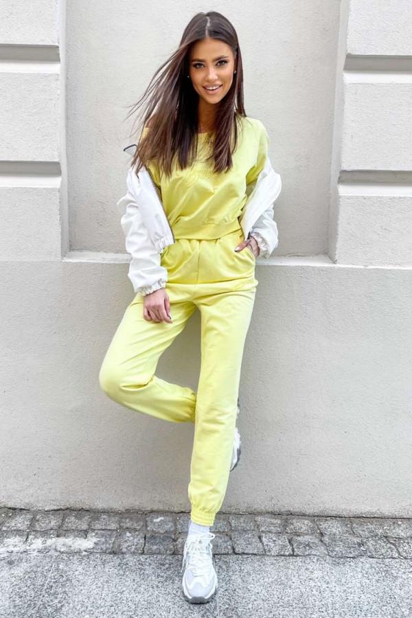 Żółty komplet dresowy z haftem Candela