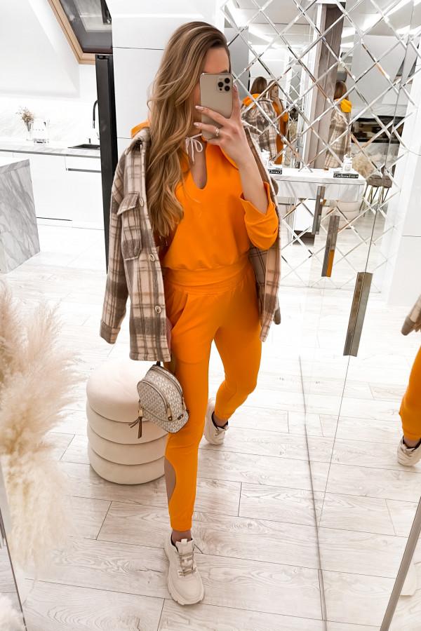 Pomarańczowy komplet dresowy z wycięciami Savage