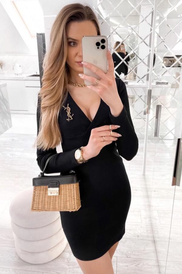 Czarna dopasowana sukienka prążkowana Skins