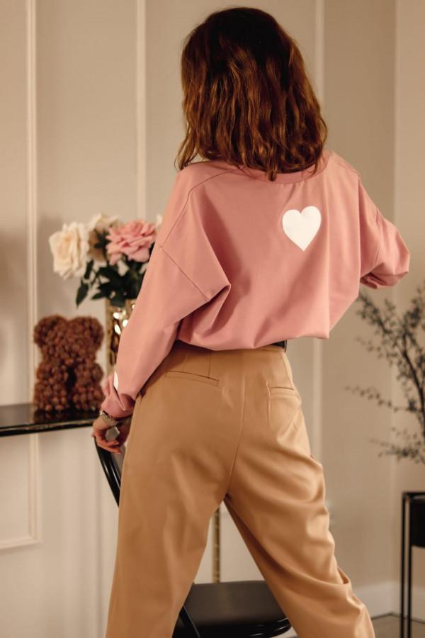 Jasnoróżowa bluza oversize z sercem Hearts