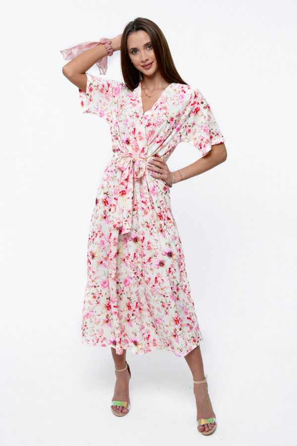 Jasnoróżowa sukienka kwiatowa midi Martina