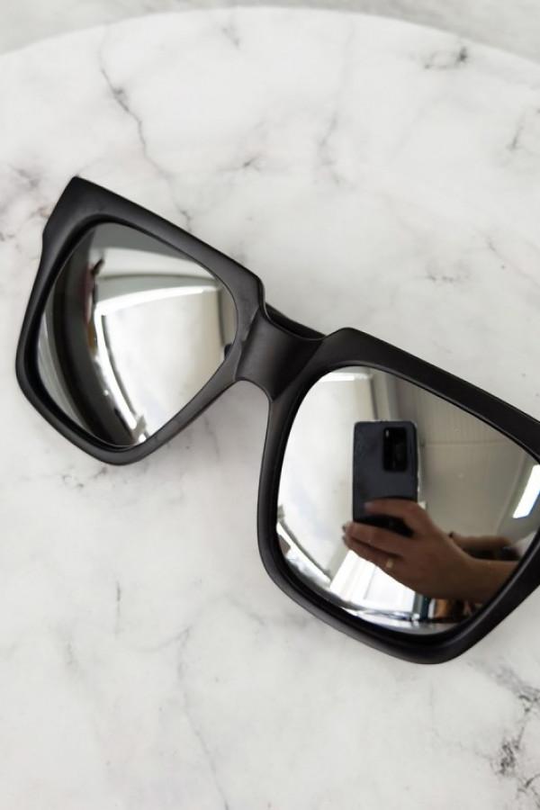 Czarne duże lustrzane okulary przeciwsłoneczne ombre z matową oprawką Sally