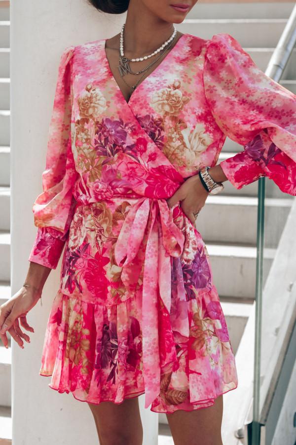 Różowa sukienka szyfonowa w kwiaty Flores