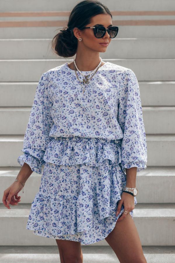 Niebieska sukienka rozkloszowana z falbankami Merci