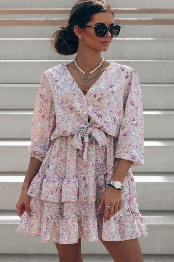 Beżowo-różowa sukienka kwiatowa rozkloszowana z falbankami Abella