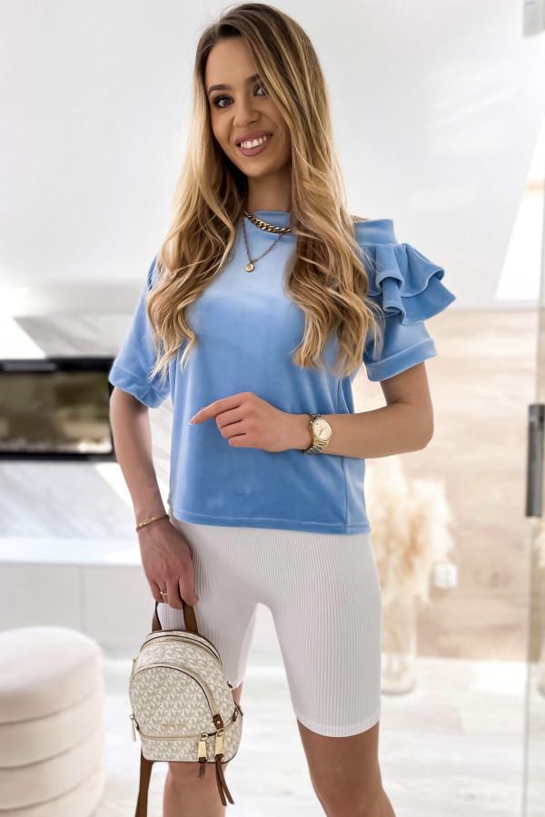 Jasnoniebieska welurowa bluzka z falbankami i krótkim rękawem Wendy