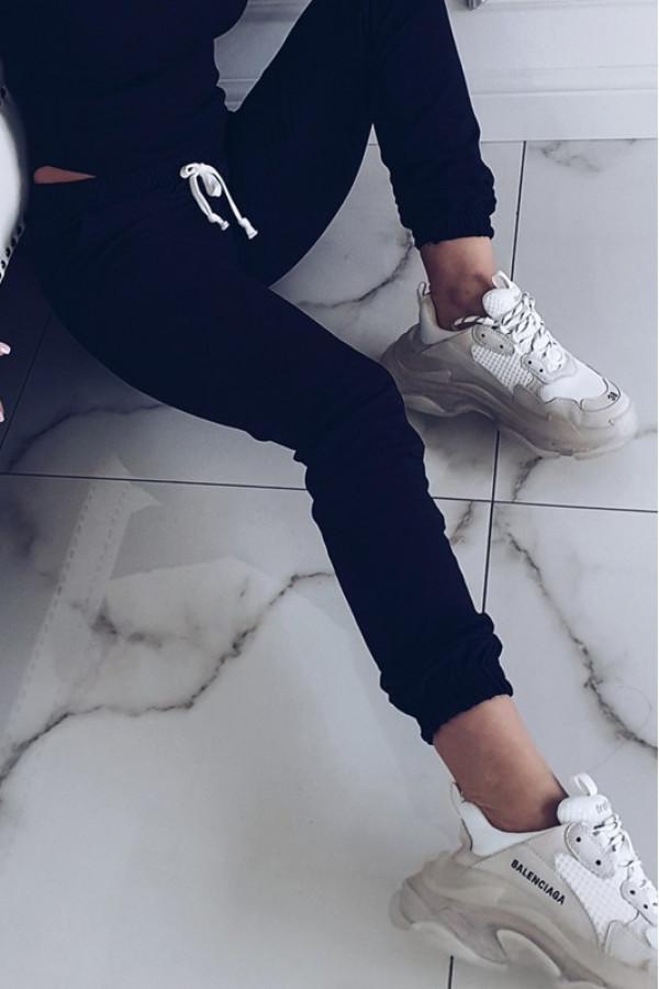 Czarne dresowe spodnie Anny