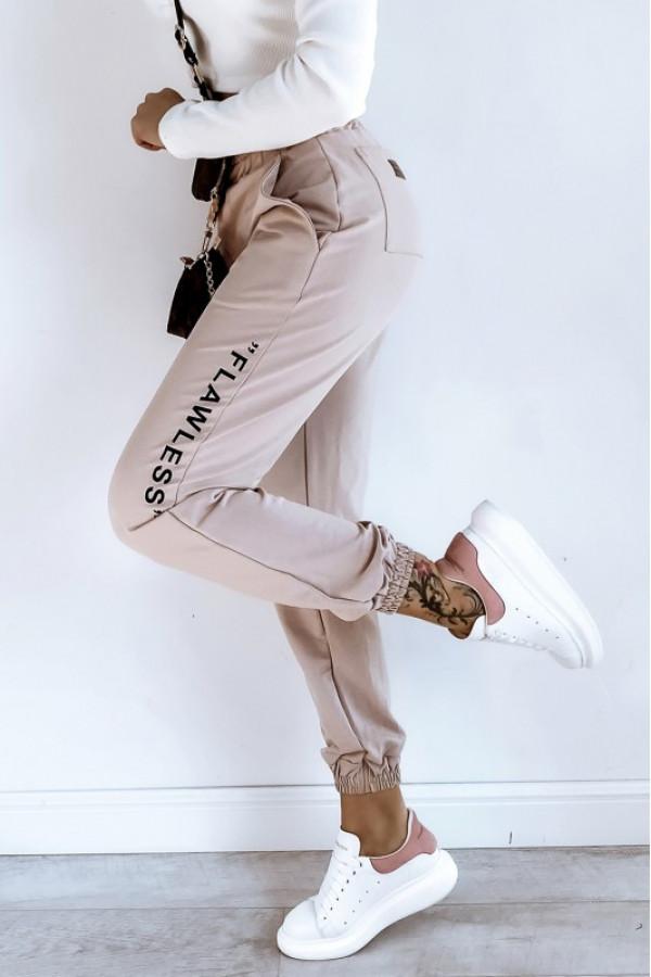Beżowe spodnie dresowe oversize Flawless