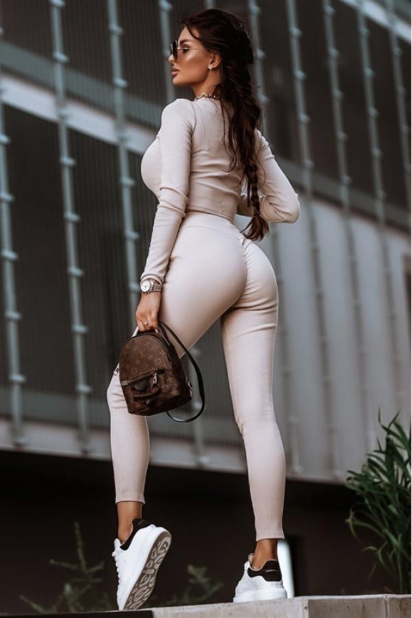Beżowy komplet damski z spodniami push up Charlie