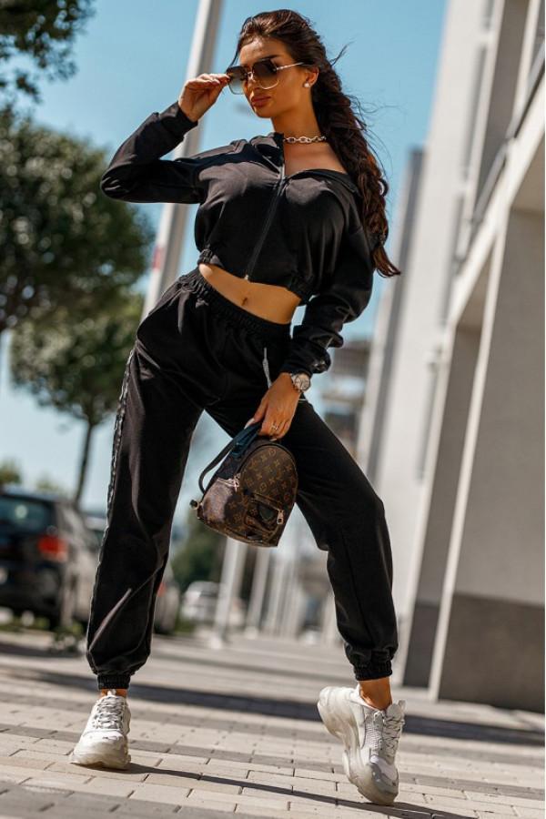 Czarny komplet dresowy z bluzą i spodniami Hailey