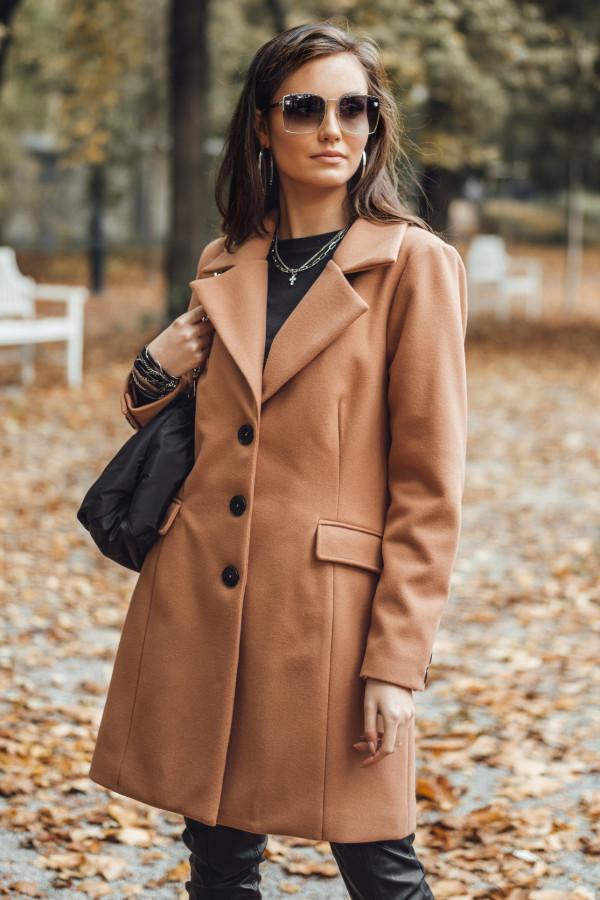 Beżowy płaszcz jednorządowy midi Dafne