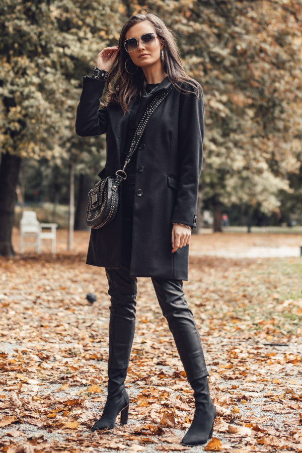 Czarny płaszcz jednorządowy midi Dafne