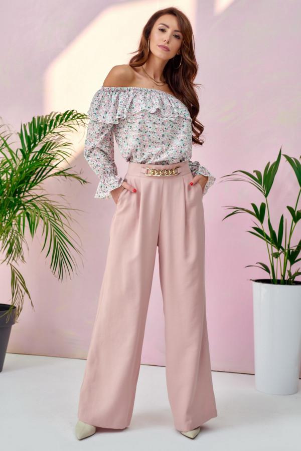Jasnoróżowe materiałowe luźne spodnie z łańcuszkiem Giada