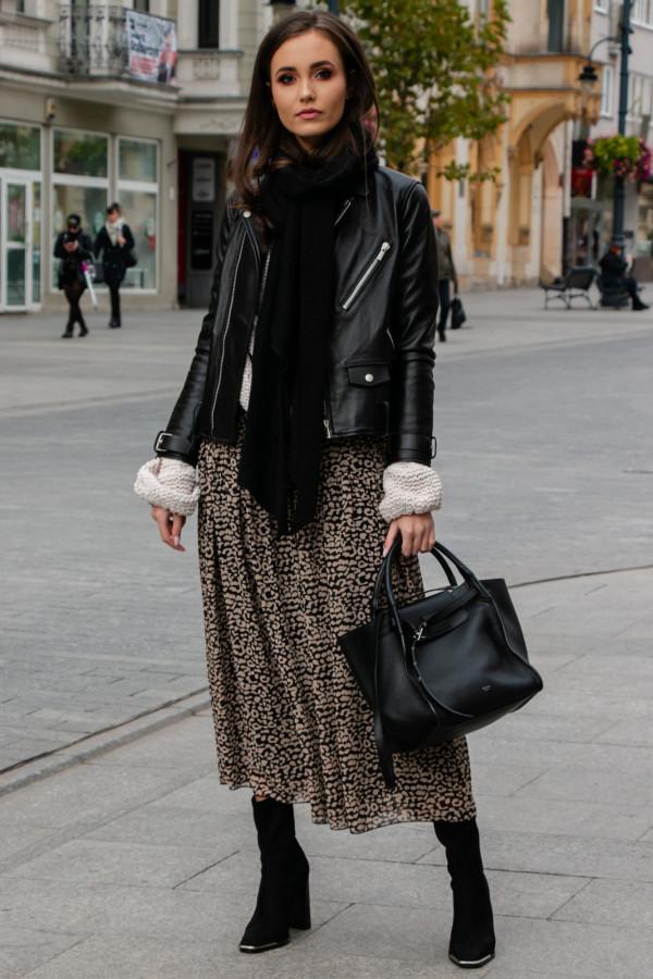 Czarna panterkowa rozkloszowana spódnica maxi Avril