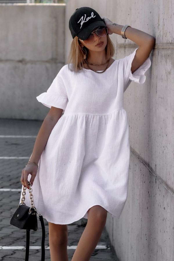 Biała muślinowa sukienka trapezowa z falbankami Lilou