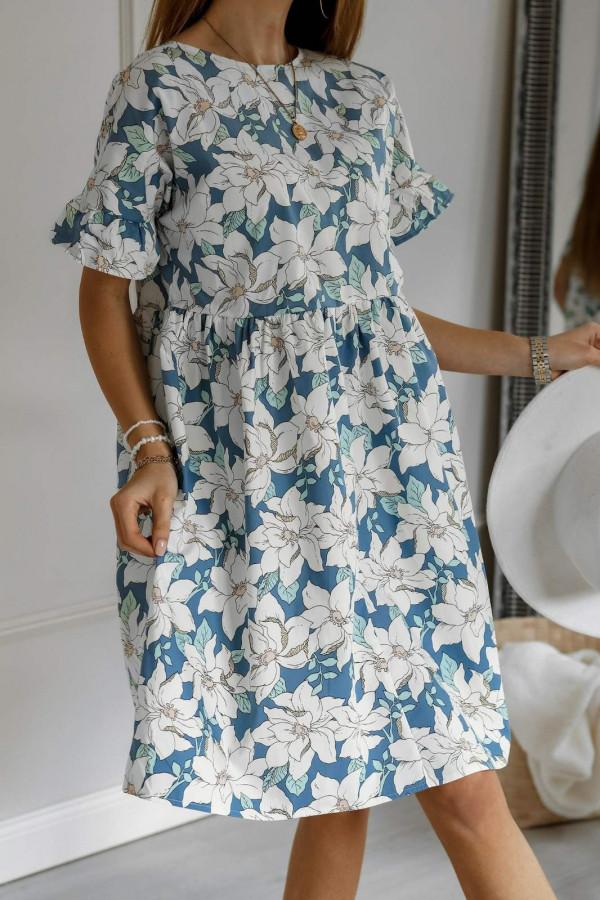 Niebiesko-biała kwiatowa sukienka rozkloszowana z falbankami Livie