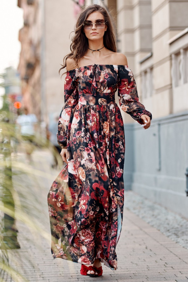 Czarno-różowa kwiatowa sukienka hiszpanka z bufiastym rękawem maxi Ariane