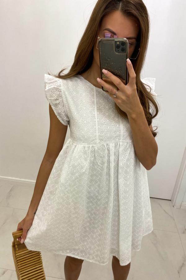 Biała ażurowa sukienka trapezowa rozkloszowana z falbankami Antoinette