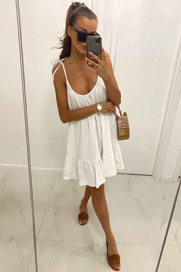 Biała rozkloszowana sukienka na ramiączkach z falbanką Astride