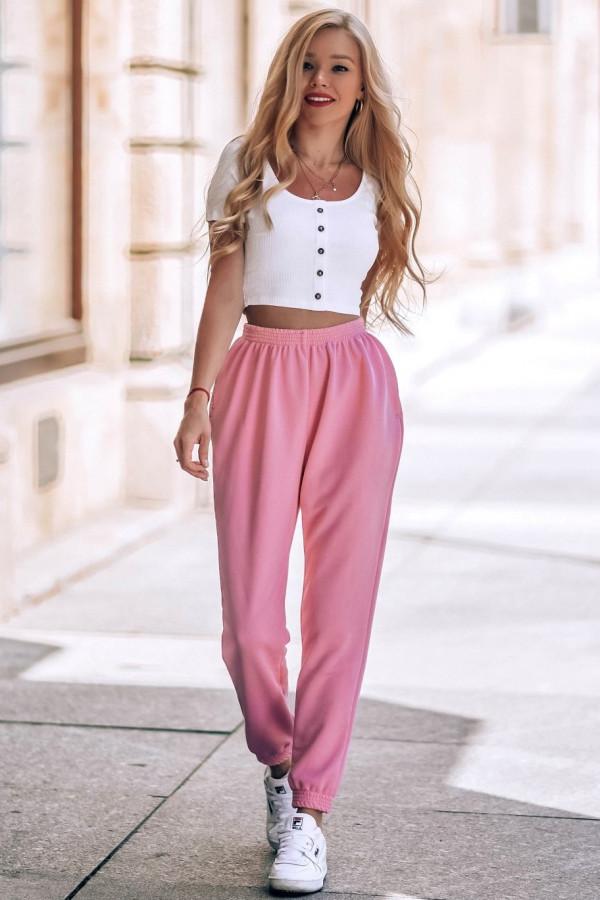 Różowe spodnie dresowe o kroju oversize Celeste