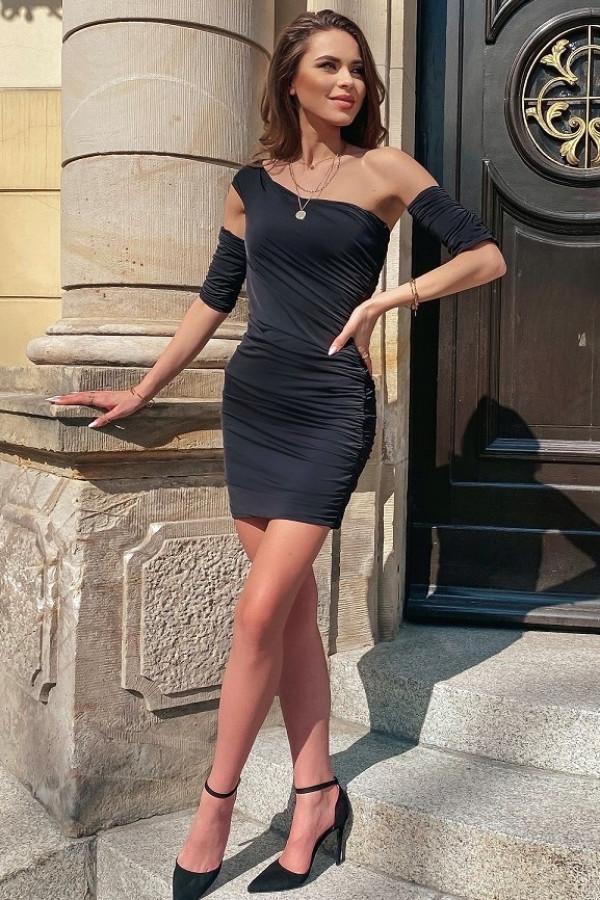 Czarna dopasowana marszczona sukienka mini Harper
