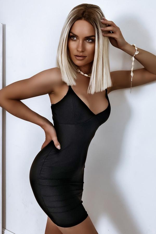 Czarna dopasowana sukienka na ramiączkach Madison