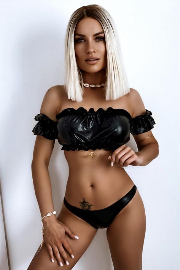 Czarne połyskujące bikini z topem hiszpanką Leah
