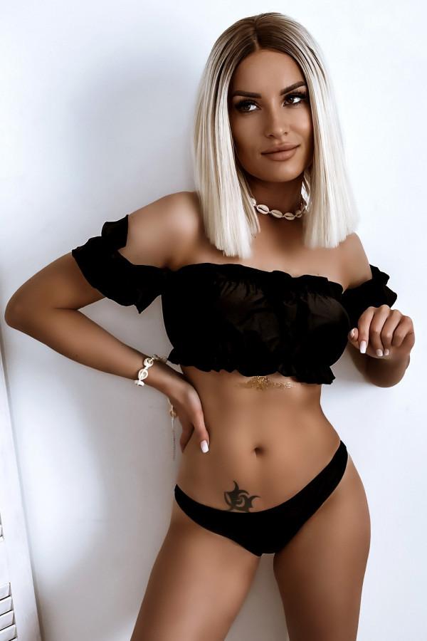 Czarne bikini z topem hiszpanką Leah