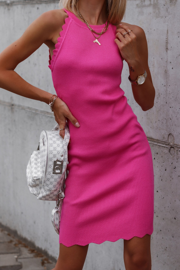 Fuksjowa sukienka dopasowana bez rękawów Lorena
