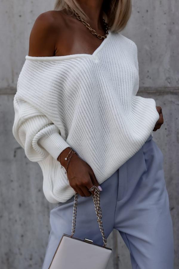 Ecru sweter oversize V-Neck Mia