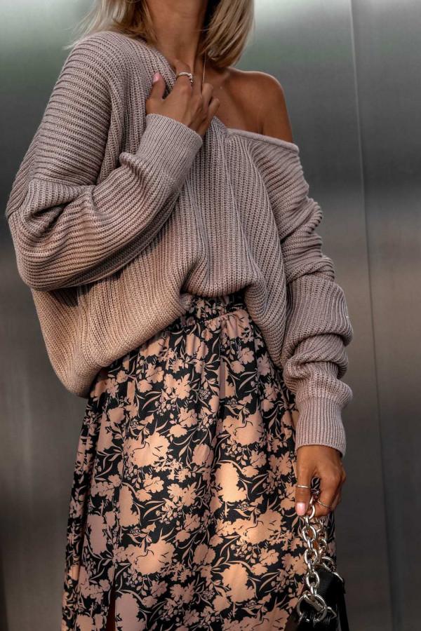 Brązowy sweter oversize V-Neck Mia