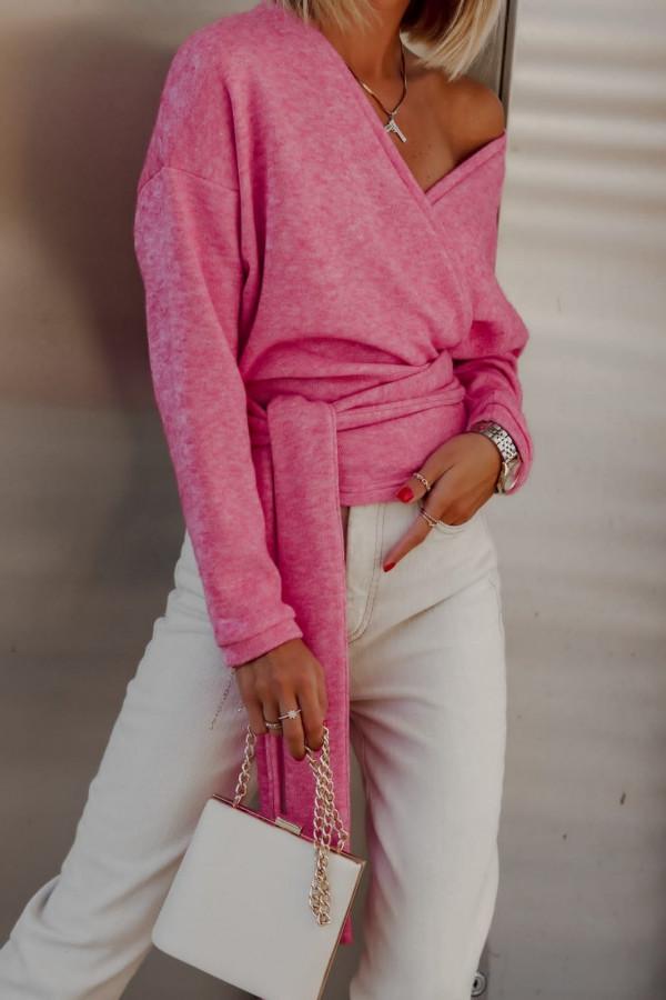 Sweter różowy wiązany V-neck Kity