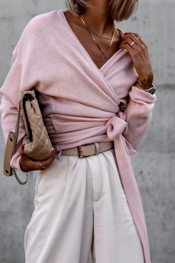 Sweter pudrowo różowy wiązany V-neck Kity