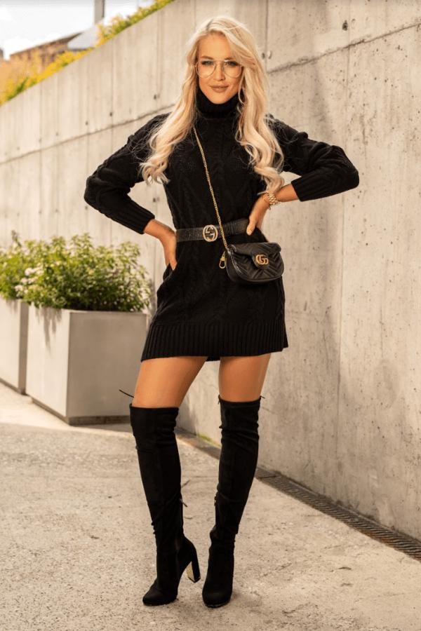 Czarna sukienka sweterkowa z golfem Angela