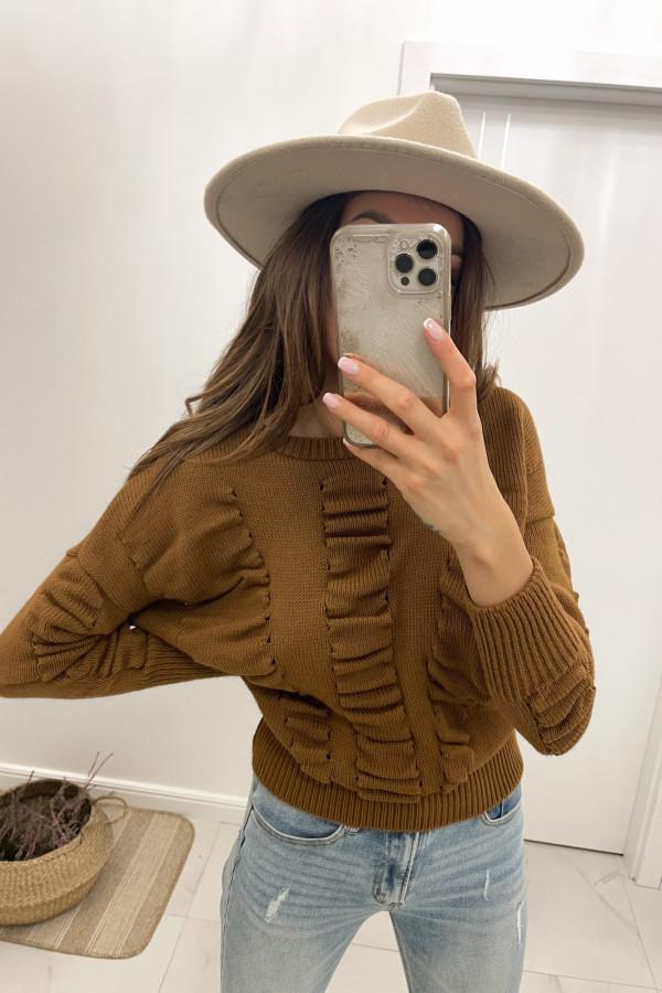 Sweter karmelowy Flou