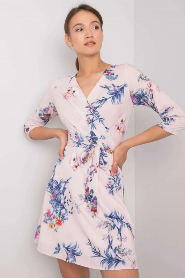 Różowa kwiatowa sukienka przekładana z paskiem Juana